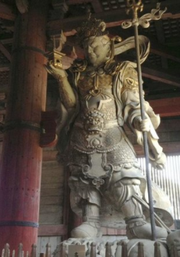 Imposing Giant Warriors in Wood Carving - Picture of Todai-ji Temple, Nara