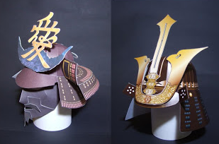 Samurai helmet papercrafts. Left: Sujikabuto (striped) helmet by Naoe Kanetsugu. Right: Black lacquered Sujikabuto helmet by Mogami Yoshiaki.